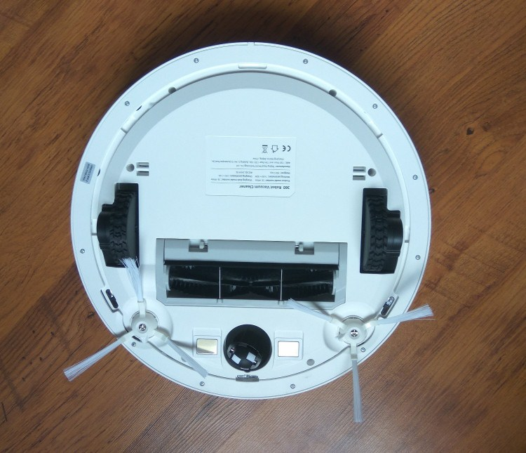 robot-hut-bui-lau-nha-qihoo-360-s6-wifi-